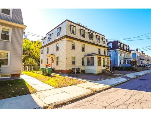 225-233 Green St, Clinton, Massachusetts, MA 01510, 13 Bedrooms Bedrooms, 23 Rooms Rooms,5 BathroomsBathrooms,Multi-family,For Sale,4950884