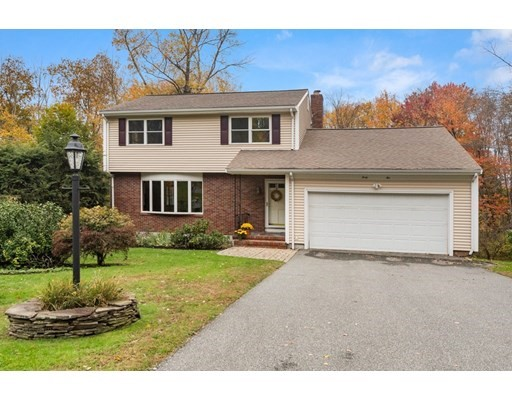 42 Highwood Way, North Andover, Massachusetts, MA 01845, 3 Bedrooms Bedrooms, 8 Rooms Rooms,2 BathroomsBathrooms,Single Family,For Sale,4952488
