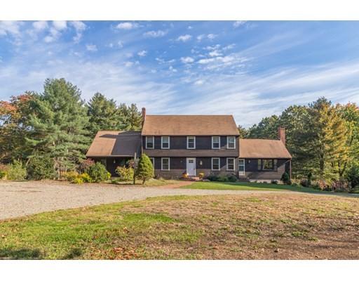 205 Woodbury Street, Hamilton, Massachusetts, MA 01982, 5 Bedrooms Bedrooms, 12 Rooms Rooms,3 BathroomsBathrooms,Single Family,For Sale,4951295
