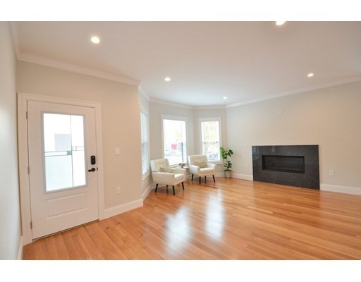 12-14 Oxford, Belmont, Massachusetts, MA 02478, 3 Bedrooms Bedrooms, 8 Rooms Rooms,Condos,For Sale,4951231