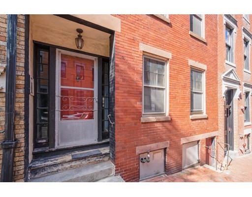 11 Anderson St, Boston, Massachusetts, MA 02114, 5 Bedrooms Bedrooms, 7 Rooms Rooms,3 BathroomsBathrooms,Single Family,For Sale,4951320