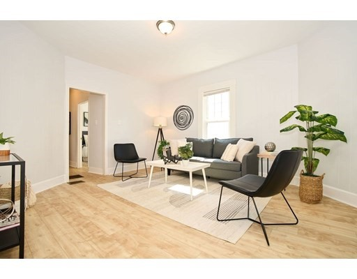 43 Mount Vernon St, Malden, Massachusetts, MA 02148, 2 Bedrooms Bedrooms, 5 Rooms Rooms,Residential Rental,For Rent,4951203