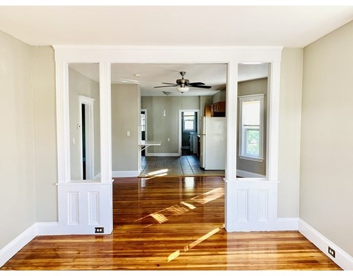 684 washington st, Braintree, Massachusetts, MA 02184, 3 Bedrooms Bedrooms, 7 Rooms Rooms,Residential Rental,For Rent,4951208