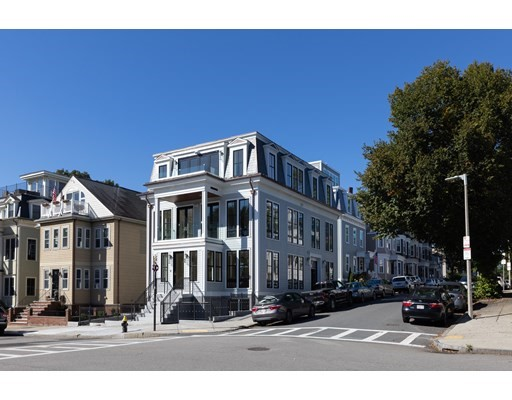 97 Farragut Road, Boston, Massachusetts, MA 02127, 3 Bedrooms Bedrooms, 7 Rooms Rooms,Condos,For Sale,4951411