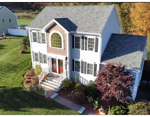 204 Roosevelt St, Fitchburg, Massachusetts, MA 01420, 3 Bedrooms Bedrooms, 6 Rooms Rooms,2 BathroomsBathrooms,Single Family,For Sale,4951513