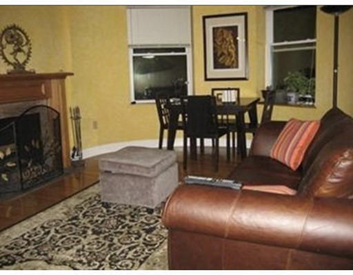 102 Gainsborough, Boston, Massachusetts, MA 02115, 1 Bedroom Bedrooms, 3 Rooms Rooms,Residential Rental,For Rent,4951481
