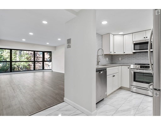 975 Massachusetts Ave, Arlington, Massachusetts, MA 02474, 1 Bedroom Bedrooms, 3 Rooms Rooms,Condos,For Sale,4951548