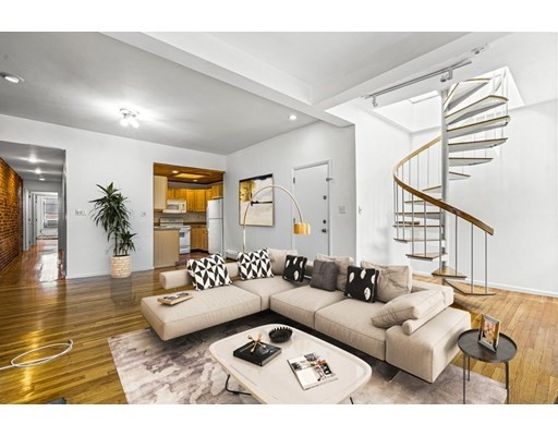 36 Symphony Rd, Boston, Massachusetts, MA 02115, 3 Bedrooms Bedrooms, 5 Rooms Rooms,Condos,For Sale,4951894