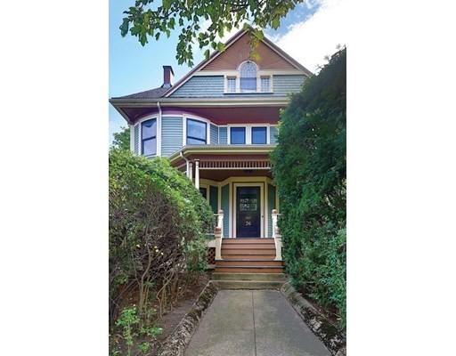 36 Verndale Street, Brookline, Massachusetts, MA 02446, 6 Bedrooms Bedrooms, 13 Rooms Rooms,3 BathroomsBathrooms,Multi-family,For Sale,4951941