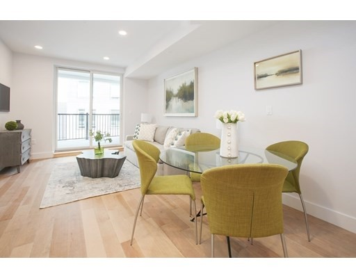 50 Hichborn, Boston, Massachusetts, MA 02135, 2 Bedrooms Bedrooms, 4 Rooms Rooms,Condos,For Sale,4952252