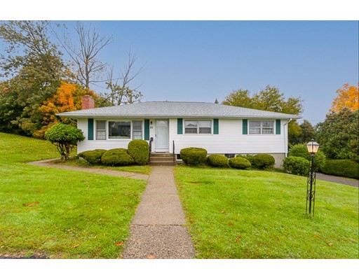 33 Mary Ann Dr, Worcester, Massachusetts, MA 01606, 3 Bedrooms Bedrooms, 6 Rooms Rooms,2 BathroomsBathrooms,Single Family,For Sale,4952414
