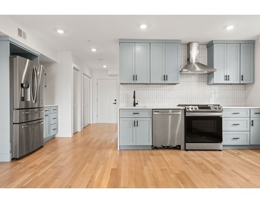 74 Everett Street, Boston, Massachusetts, MA 02128, 2 Bedrooms Bedrooms, 5 Rooms Rooms,Condos,For Sale,4952262