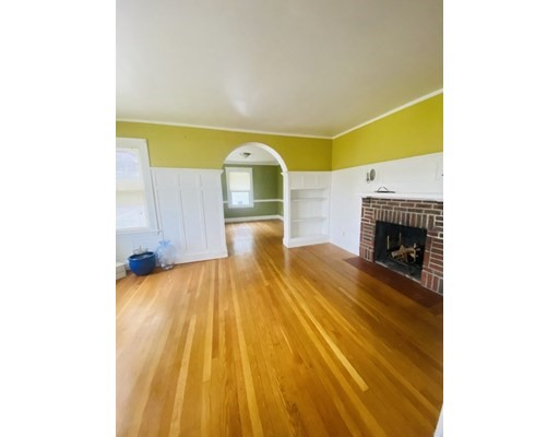185 Walworth, Boston, Massachusetts, MA 02131, 2 Bedrooms Bedrooms, 5 Rooms Rooms,Residential Rental,For Rent,4952242