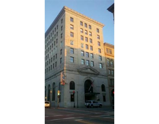 Prime Downtown Location.   300 SF to 5000 SF Office space in Webster Bank Building; Tenant pays electric. Great views from the 5th, 6th & 7th floors.