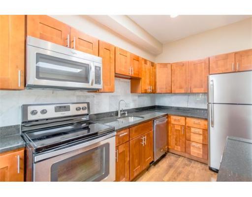 390 Riverway, Unit 24, Boston, MA 02115