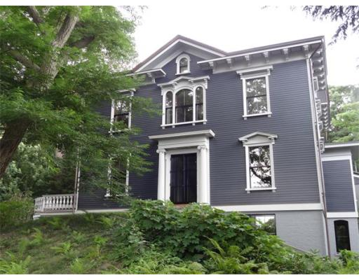 11 Chestnut Place, Brookline, MA 02445