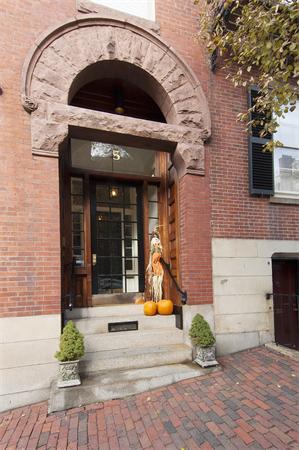 5 Chestnut Boston MA 02108