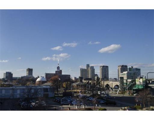 6 Whittier Place, Unit 40-6, Boston, MA 02114