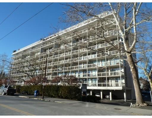 221 Mt Auburn Street, Cambridge, MA 02138