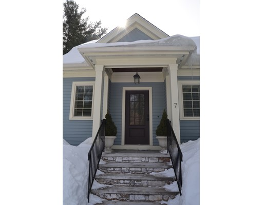 7 Leah Way, Andover, MA 01810