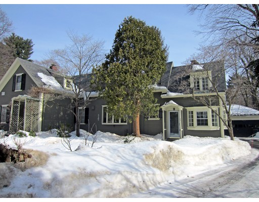 22 Dover Rd, Wellesley, MA 02482