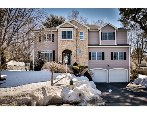 3 Churchill Cir, Winchester, MA
