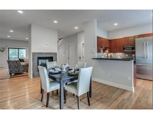 771 Heath St, Brookline, MA 02467