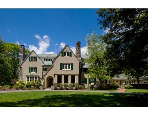 118 Woodland Road, Milton, MA