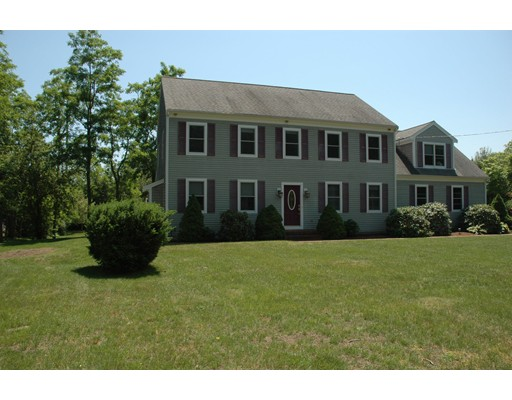 Photo of 19 Morse Pond Rd Falmouth MA 02540
