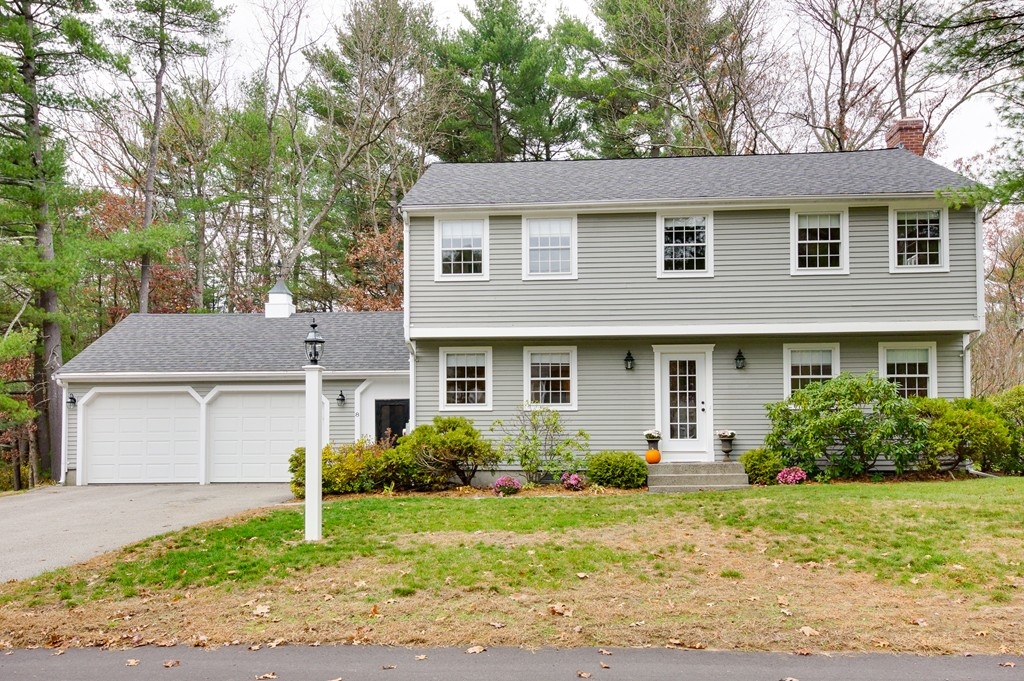 8 Knollwood Road Medfield Ma 02052