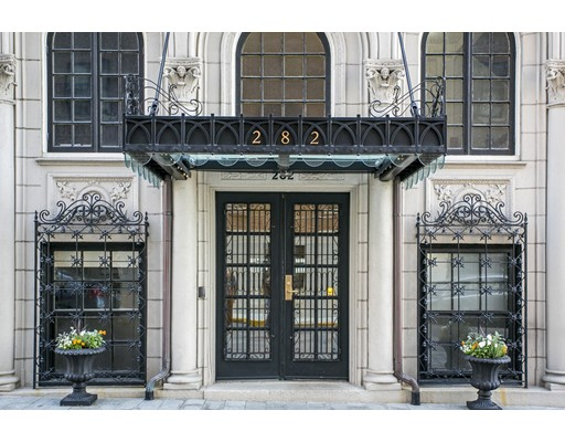 Condominium/Co-Op for sale in 282 Beacon Street Back Bay, Boston, Suffolk