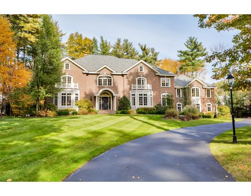 44 Country Club Circle, North Andover, MA