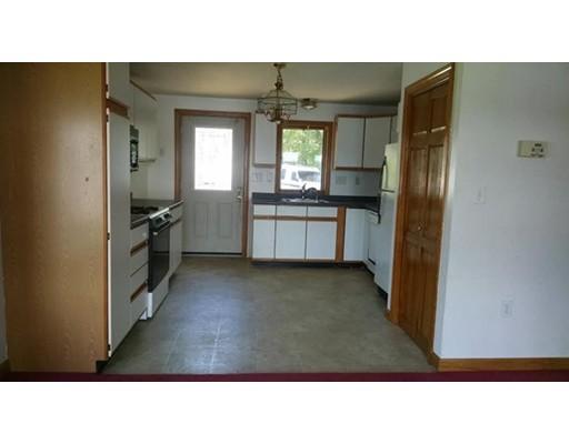 105 Kimball Rd, Amesbury, MA 01913