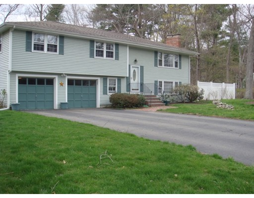 15 Stonybrook Road, Medfield, MA