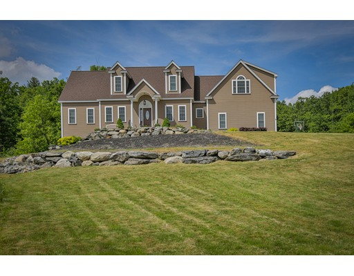 9 White Tail Xing, Lunenburg, MA