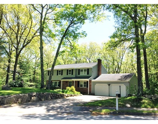 6 Garry Drive, Medfield, MA
