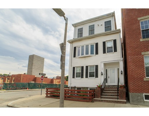 101 Baxter Street, Boston, MA 02127