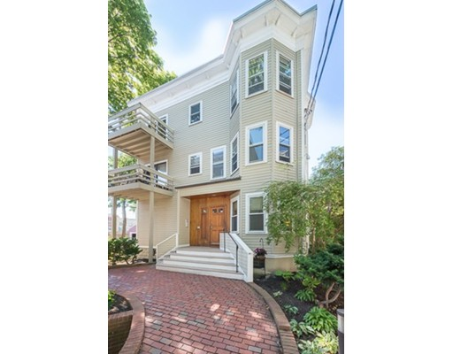 18 Upland Road, Cambridge, MA 02140