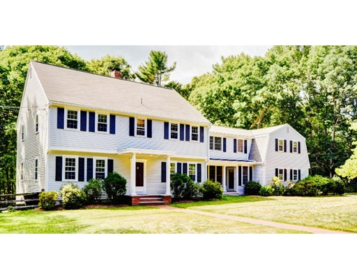 15 Hales Hollow, Dover, MA