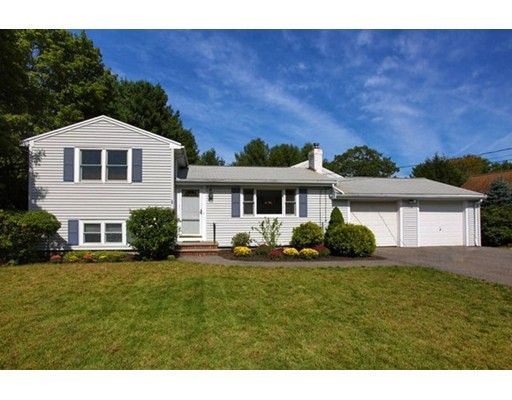 17 Charlesdale Road, Medfield, MA