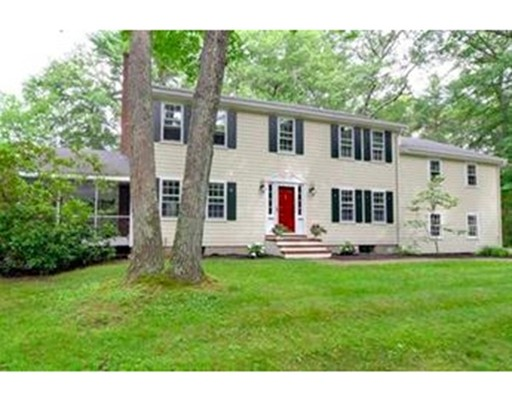 7 Troutbrook Road, Dover, MA