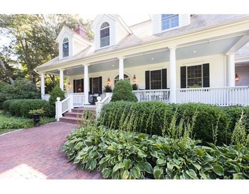 4 Beds, 3 Baths home in Barnstable for $1,895,000
