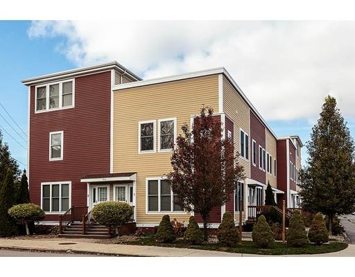 910 Saratoga Street, Boston, MA 02128
