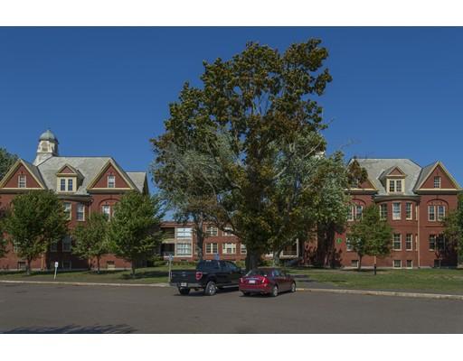 16 Chestnut Street, Foxboro, MA 02035