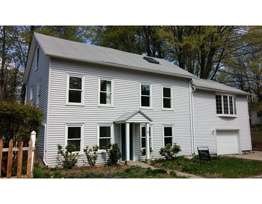8 Crescent Street, Huntington, MA