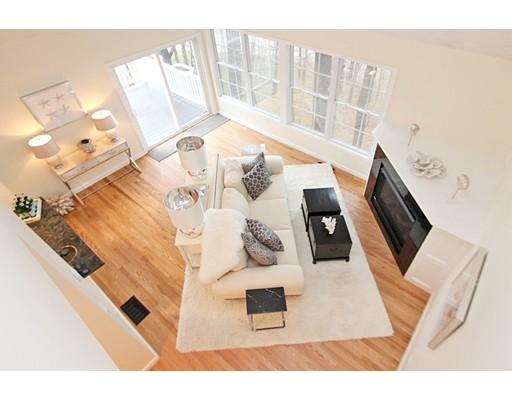 10 Moseley Place, Newburyport, MA 01950