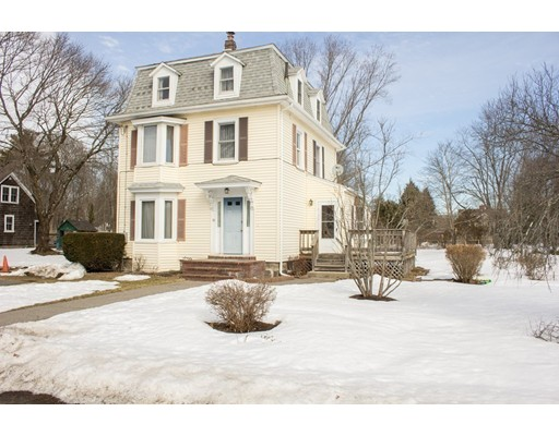 82 Pleasant Street, Medfield, MA