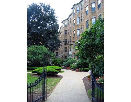 118 The RIVERWAY, Unit 16, Boston, Ma 02215