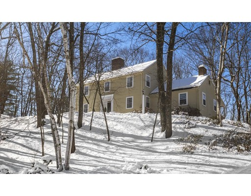 17 Rolling Lane, Dover, MA
