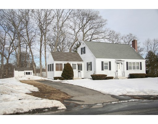 3 Meadowbrook Rd, Hudson, MA